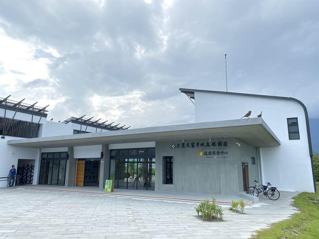 大農大富平森園區新遊客中心歷經2年工程,今年落成。(羅亦晽攝)