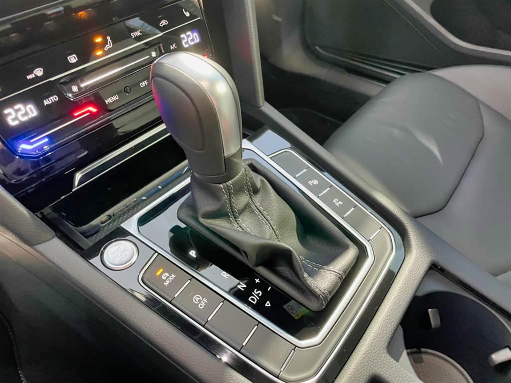 變速箱皆搭配7速DSG雙離合自手排變速箱。