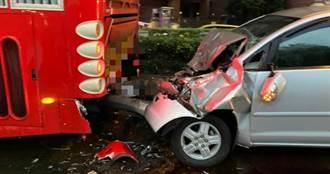 前一晚喝太多還在茫 醉男駕休旅車下坡衝太快撞遊覽車
