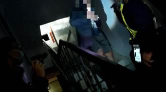 桃園八德男子蹲樓梯間吸毒 警巡邏逮正著