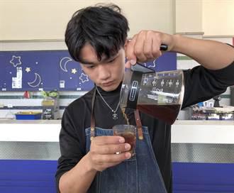 演繹咖啡工藝美學 金門農工林克威奪全台大賽銀獎