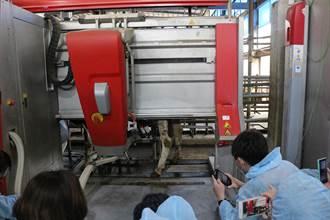 畜試所推廣智慧養牛 機器人三兄妹讓擠乳更牛性化