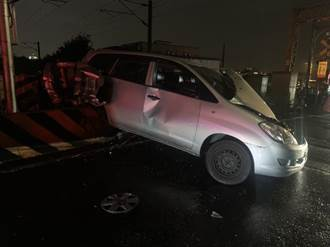 台鐵又傳「撞」況  宜縣發生與自小客車擦撞事故