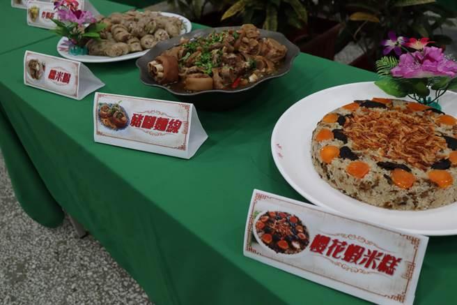明德外役監獄收容人展現傳統小吃技能訓練成果。(劉秀芬攝)