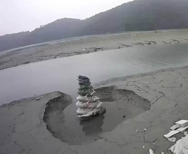 日月潭水庫長期淤積嚴重,台電公司已於近期規劃排砂計畫。(黃立杰攝)