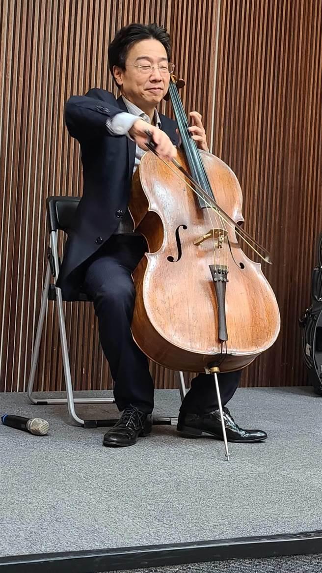 大提琴家張正傑12月20日將在台南文化中心舉辦獨奏會,邀請大家一起來慶祝貝多芬250歲冥誕。(曹婷婷攝)