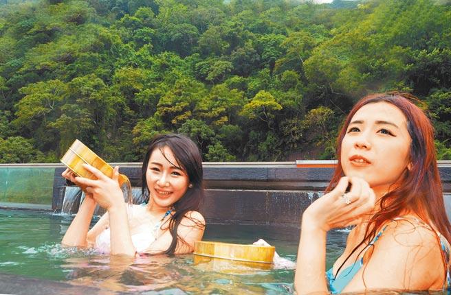 台東溫泉季開跑,歡迎大家來泡暖呼呼的美人湯。(莊哲權攝)