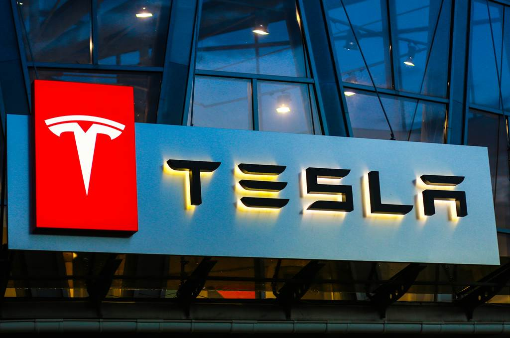 特斯拉計畫發售新股籌資來支持擴張計畫。(達志影像shutterstock)