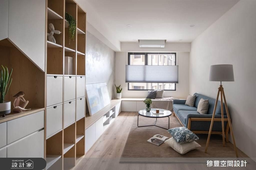沿著窗邊矮櫃設計:視覺上不會有壓迫,還可以收納較大的家用品,家中客人較多的時候,還可以當作座椅呢!