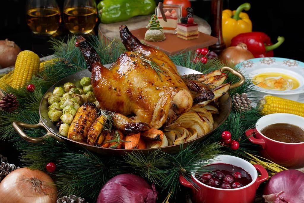 君品酒店「聖誕八寶手扒雞雙人分享餐」。(君品提供)