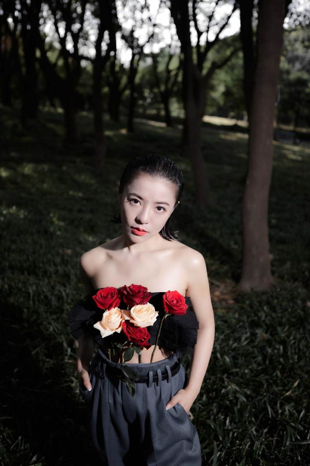 丁噹近日拍攝雜誌美照。(相信音樂提供)