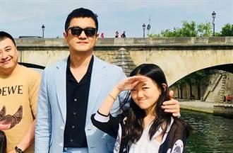 李亞鵬宣布14歲李嫣「光榮退休」 她IG留這句耐人尋味