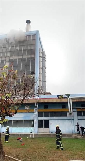 斗六味全公司辦公室火警 2員工跳樓逃生扭傷