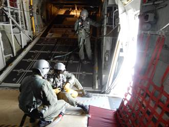 為緩解缺水情勢 空軍啟動增雨作業