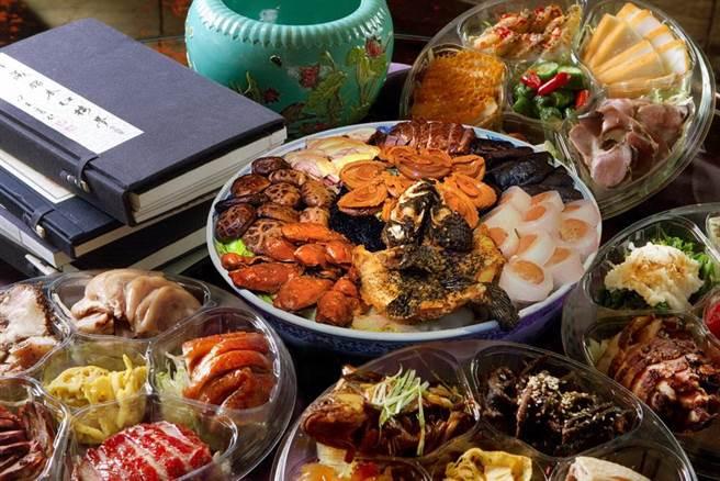 鑑於後疫情時代愈來愈多人願意花多點錢吃好吃,台北君品酒店「富貴大盆菜」盆要價38800元,堪稱「天價年菜」。(圖/君品酒店)