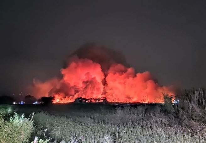 歸仁農地大火,台南市環保局依空汙法重罰台糖公司127.5萬元。(市府提供/洪榮志台南傳真)
