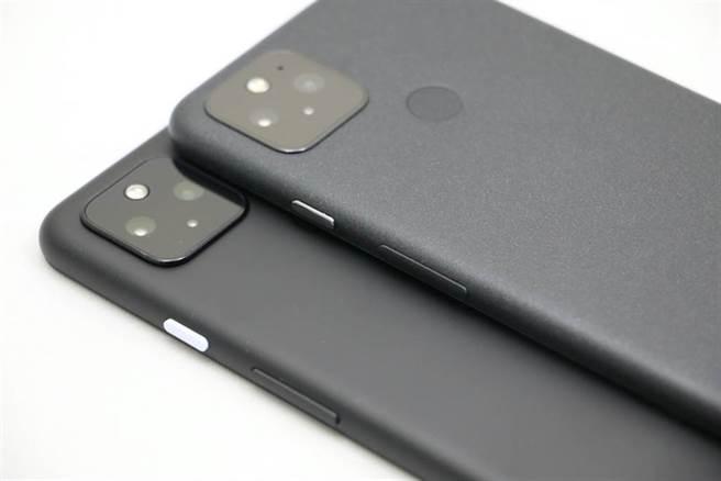 Google還有沒發表的高階新手機嗎?圖為Pixel 4a 5G(下)與Pixel 5。(黃慧雯攝)