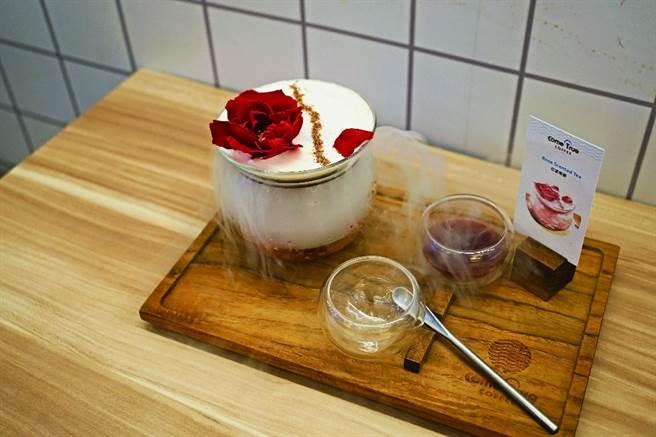 华丽登场的花漾瑰蜜,是「成真咖啡」推出的台北限定创意咖啡。(图/侯乃瑄摄)