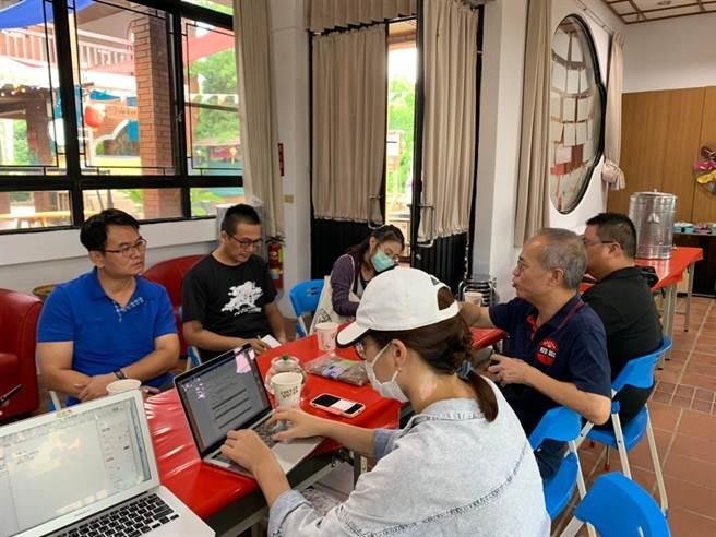 虎山藝術村透過輔導團隊進駐,協助diy展示區規劃。(參山處提供)