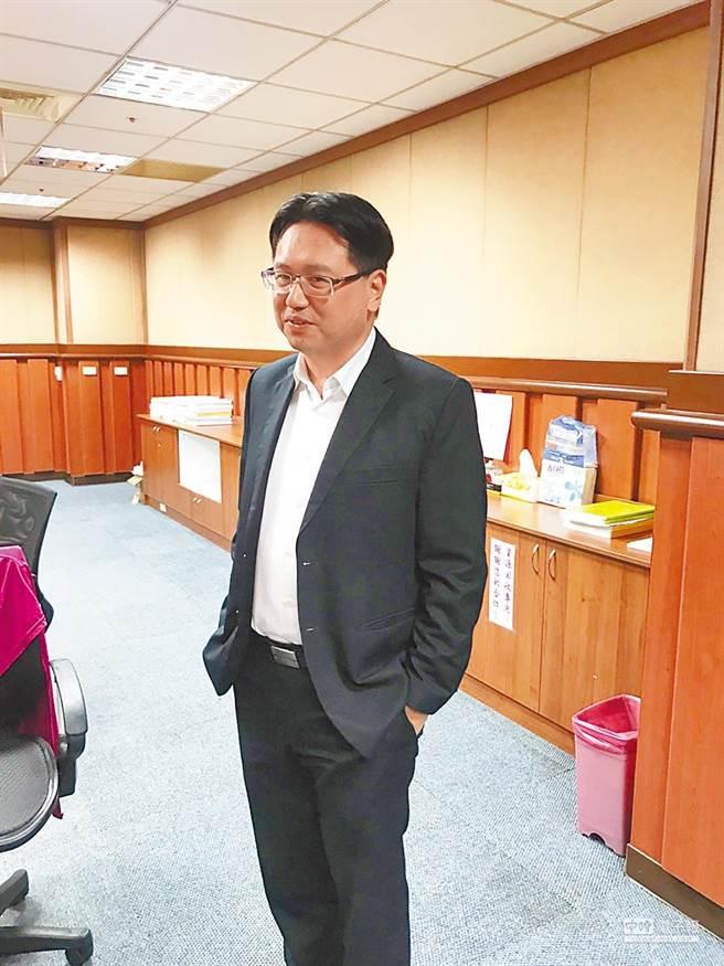 基隆市環境保護局長賴煥紘涉嫌,在甄選相關簽文、評分表等公文書登載不實。(本報資料照)