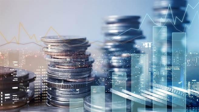 黃天牧:外幣保單額度充足,民眾毋須擔心買不到!(圖/小花平台保險提供)