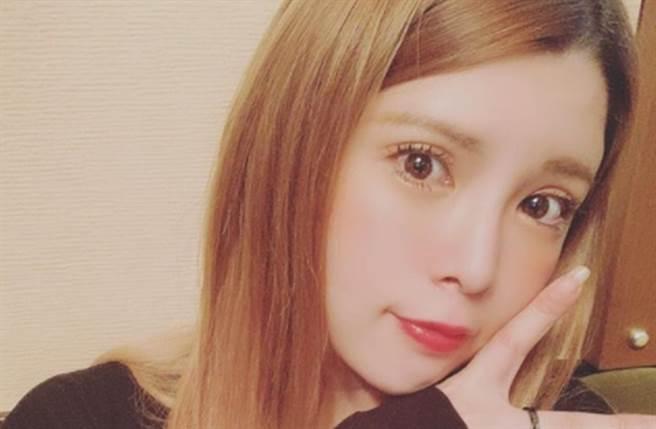 坂口杏里是已故女星坂口良子的女兒。