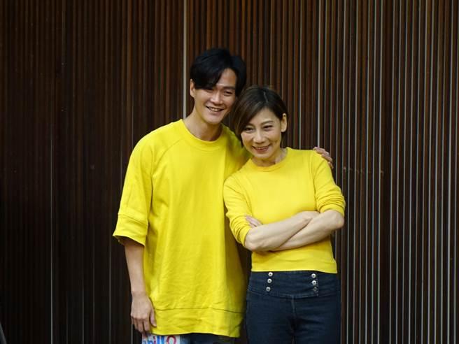郎祖筠與林俊逸今到台南宣傳。(曹婷婷攝)