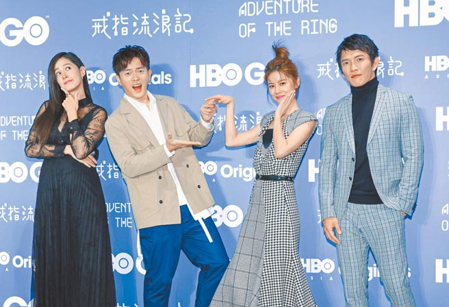 Janet(左起)、宥勝、林予晞、黃尚禾昨宣傳新影集。(吳松翰攝)