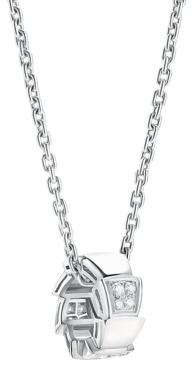 寶格麗SERPENTI VIPER白K金鑲鑽項鍊,約13萬7500元。(寶格麗提供)