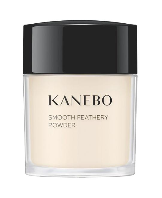 KANEBO清爽持妝蜜粉18g,1500元。(KANEBO提供)