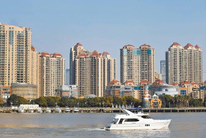 上海黃浦江畔的一處住宅樓盤。(新華社資料照片)