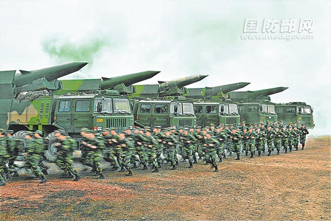 解放軍火箭軍某旅於8月進行戰備訓練。(取自大陸國防部)