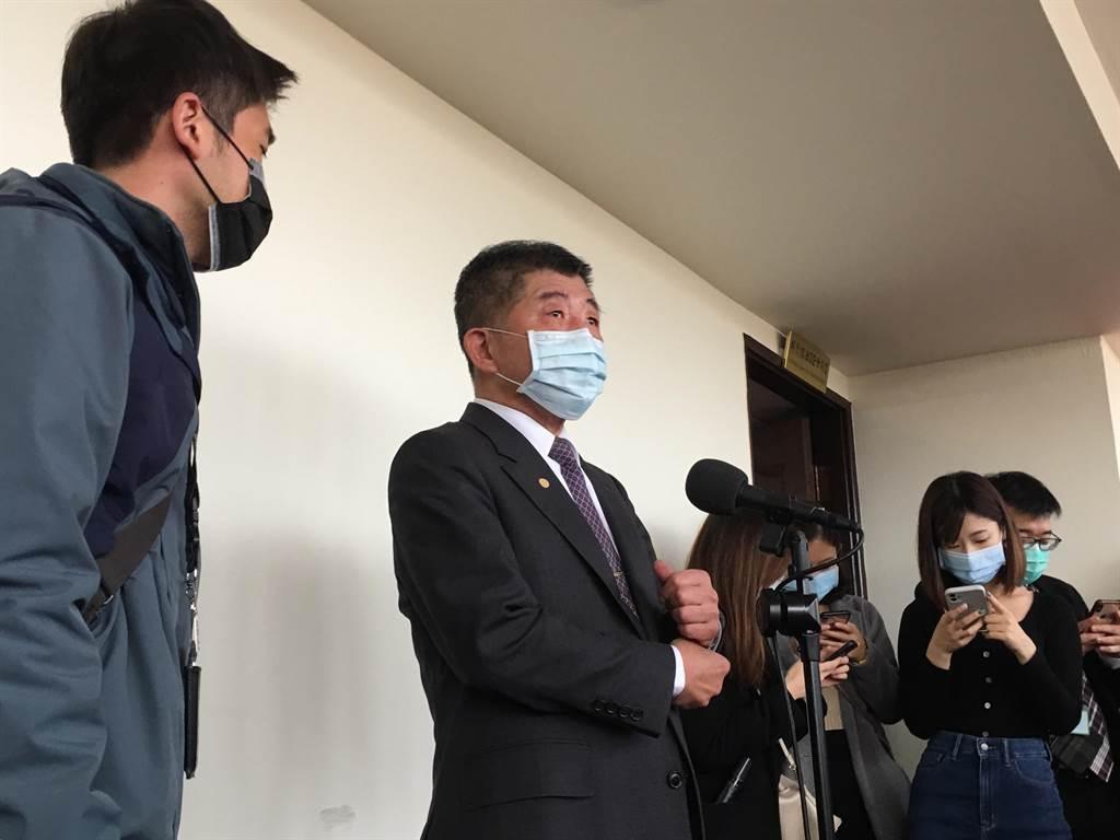 衛福部長陳時中表示,目前已經針對移工推動全面期滿採檢,至於其他外籍人士,還需要觀察一下,看看相對案例的多寡。(林周義攝)