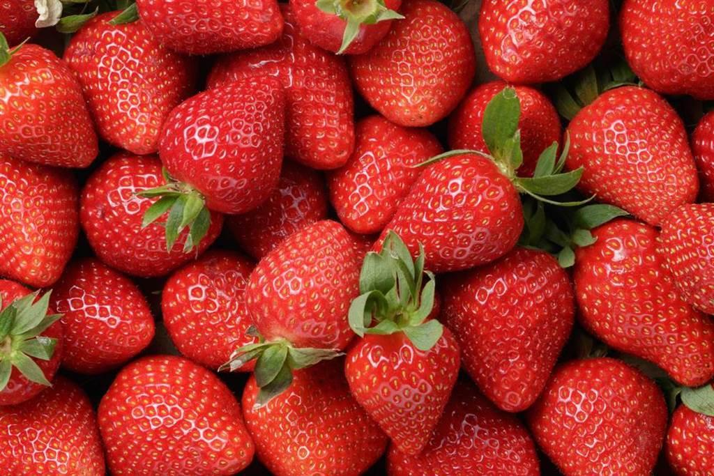 吃草莓好處多多,但有營養師點名4種人應小心吃。(圖/示意圖,達志影像)