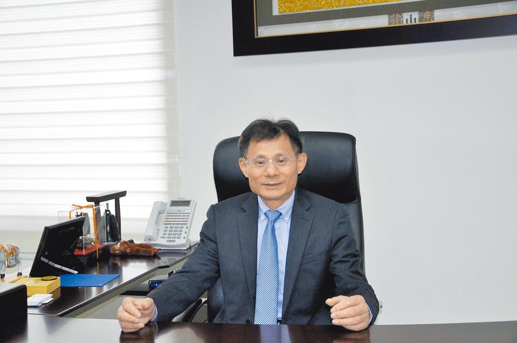 卡爾世達總經理黃遠明協助國內汽車保養登峰造極創新發展。圖╱嚴強國