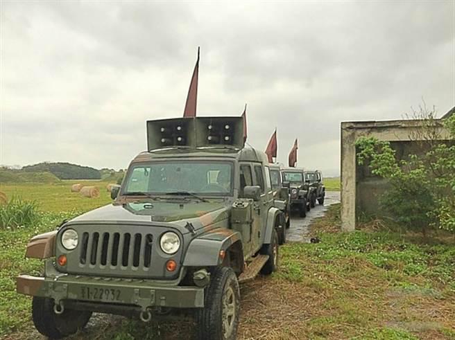 三陽工業製作的1/2T偵搜車(輕型戰術輪車)喊話車版本。(圖/陸軍584旅、軍聞社)
