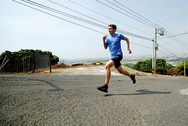 吉雷米對自我要求高,平時練跑的時間也是享受獨處的時光。(圖/曾信耀攝)