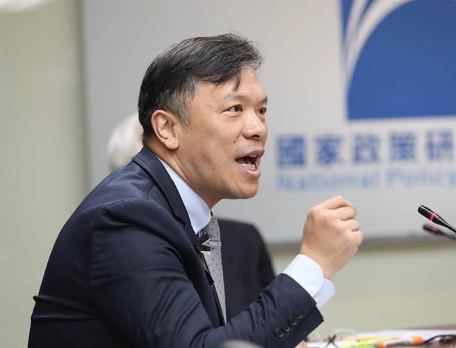 世新大學前副校長、現任該校口語傳播暨社群媒體系教授游梓翔。(圖/本報系資料照)