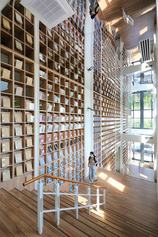在阅读空间感受设计美学,是最棒的体验。(摄影/Carter)