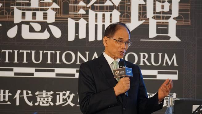 立法院長游錫堃下午參加NOWnews舉辦的「修憲論壇」。(趙婉淳攝)