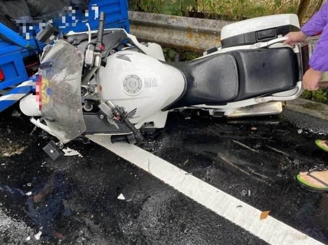 有网友质疑台16线水里乡路面进行沥青活化剂效能测试才酿成车祸;公路总局信义工务段驳斥该传言。(民眾提供/黄立杰南投传真)