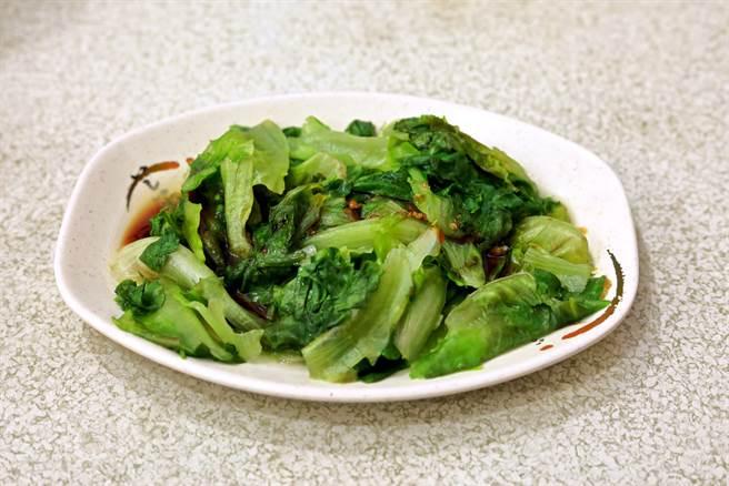 有網友忍不住抱怨,小吃店最貴的其實不是肉,而是蔬菜,更舉例說明,若拿60元到小吃店買燙青菜,份量卻只有一點點,讓他認為蔬菜比肉還要貴。(達志影像)