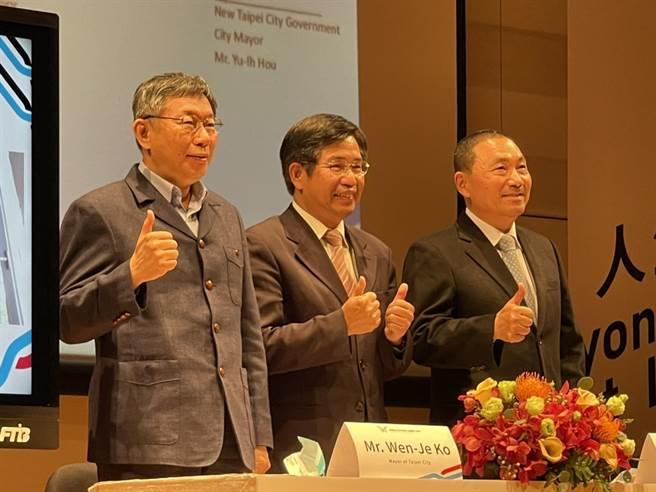 台北市長柯文哲(左)。(張穎齊攝)