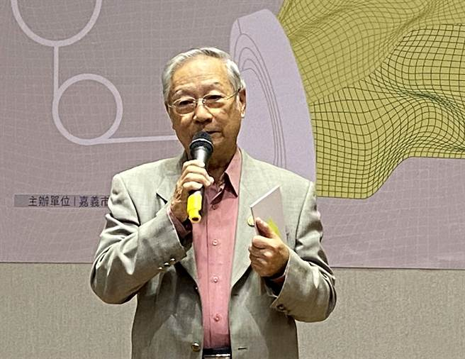醫二代蔡榮茂醫師說,嘉義老醫館還有很多故事可以挖掘書寫。(廖素慧攝)