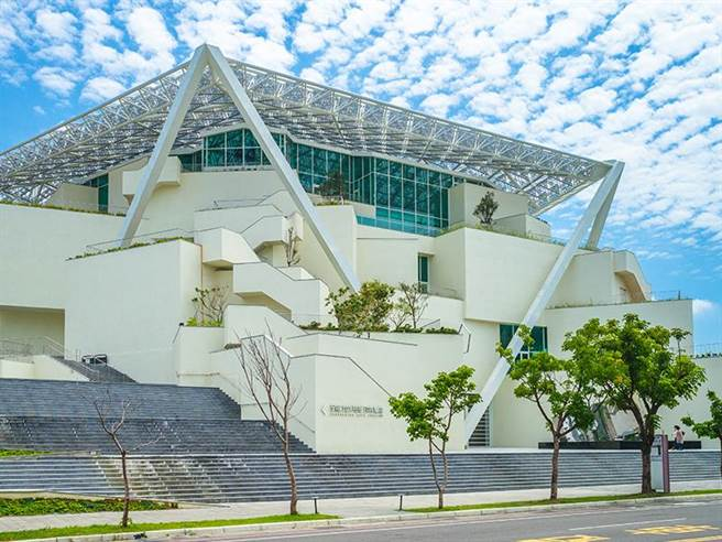 網美打卡熱點「台南美術館」。(易遊網提供)