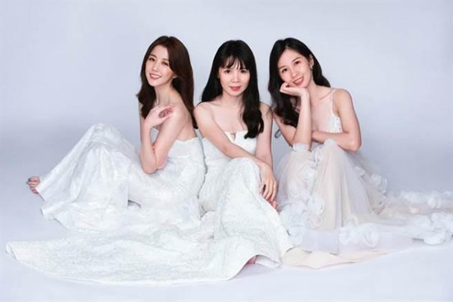 邵雨薇今(10)日在社群平台曬出跟姊妹的合照,也讓粉絲大讚「真的有美女基因」。(圖/ 摘自邵雨薇臉書)