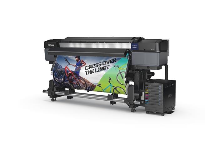 Epson SC-S60670L 64吋大供墨廣告大圖機,1,500ml大容量墨水可幫助業者節省墨水成本,為高印量首選機種。圖/業者提供
