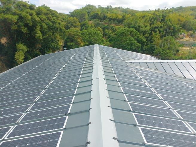 愛能公司創新建築一體型BIPV,打進歐美屋頂型PV發電市場。圖/業者提供