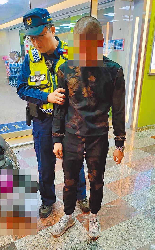 何姓男子疑因懷疑妻子外遇,持槍前往妻子娘家對空開槍示警後被警方逮獲。(讀者提供/洪榮志台南傳真)