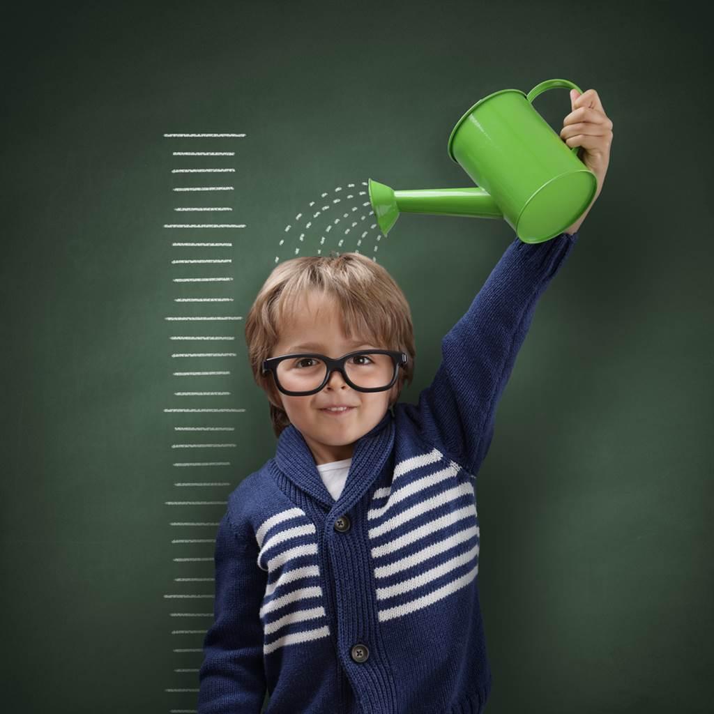 99%學童鈣質攝取不足,大大影響孩童骨質及生長要素。營養師解析成長營養重要性,一起營養每一天!(示意圖/Shutterstock)